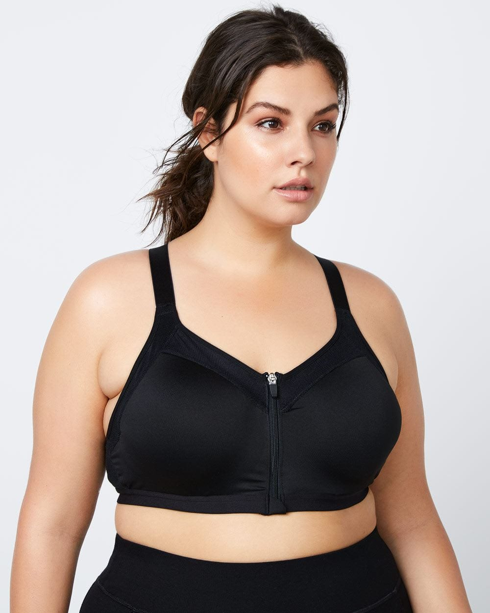 a43f53506d3e5 Plus Size Sports Bra  Guide Choosing The Best One - Foreign policy