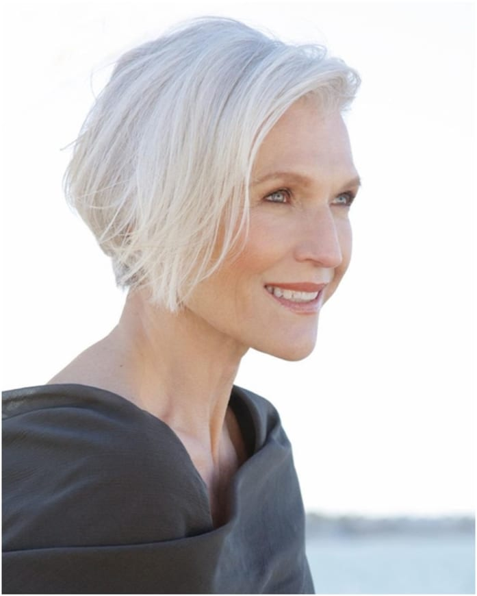 Short Hairstyles for Women Over 50 To Try This Year